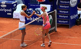 German Open (WTA) -  2008 - Dinara Safina (l) and Elena Dementieva (r) shake hands after the final.