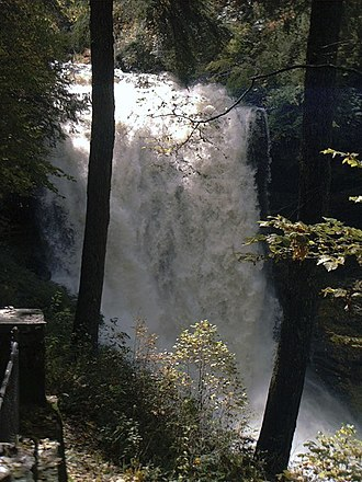 Dry Falls (North Carolina) - Dry Falls during a period of very high flow