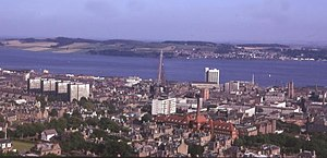 Dundee from the Law - geograph.org.uk - 3167.jpg