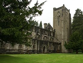 Dunkeld Cathedral 20090617 nave exterior.jpg
