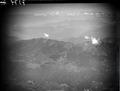 ETH-BIB-Lago Maggiore mit Luino, Blickrichtung West (W)-Inlandflüge-LBS MH01-007379.tif