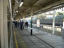 East Ham tube station 2005-12-10 01.jpg