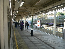 East Ham tube station 2005-12-10 01.jpg