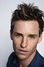 Headshot of Eddie Redmayne.