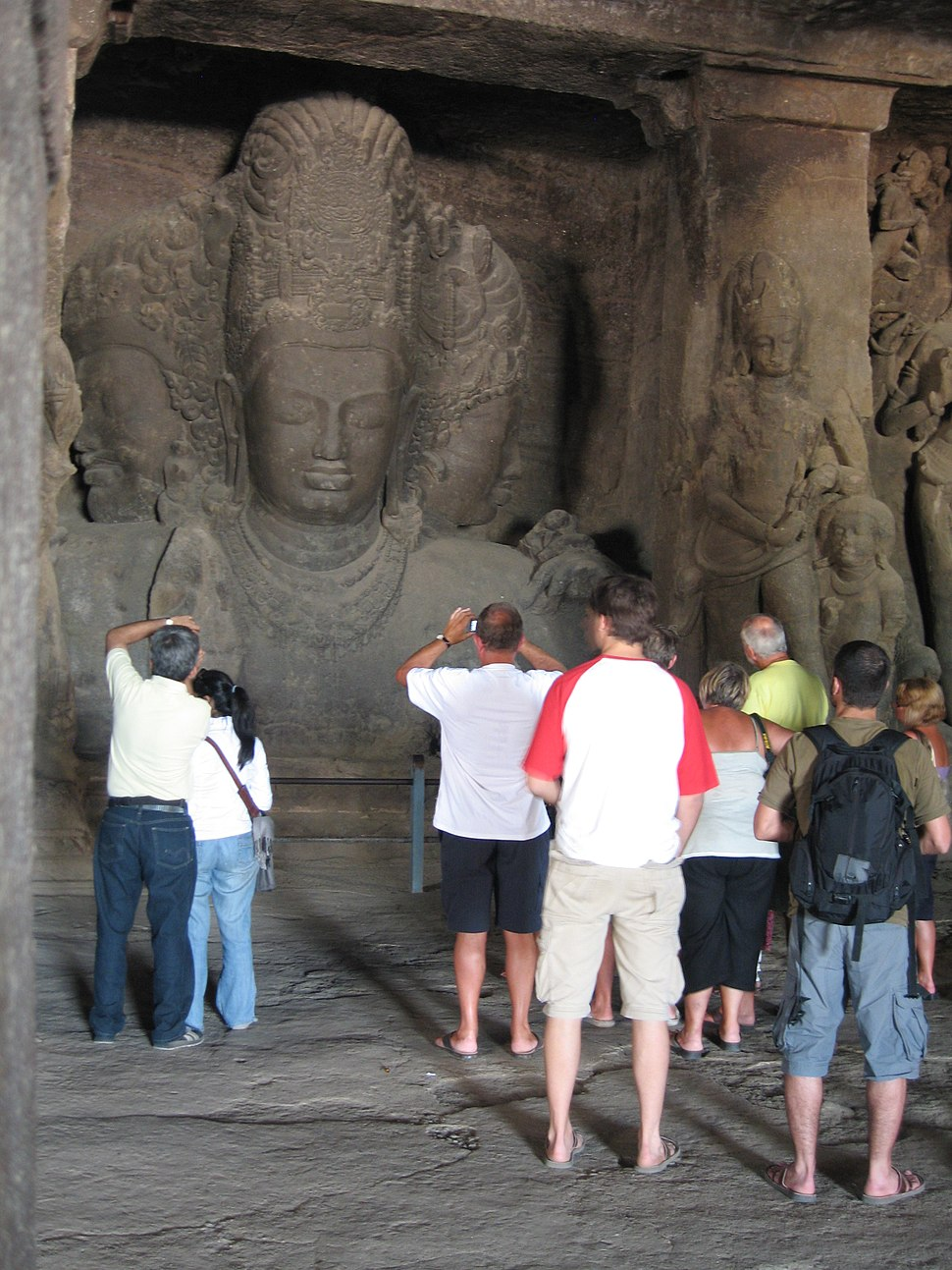 Elephanta tourists