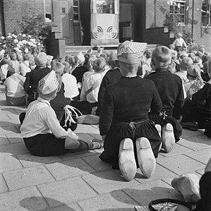 Emmy Andriesse - Image: Emmy Andriesse Volendam 1945 4