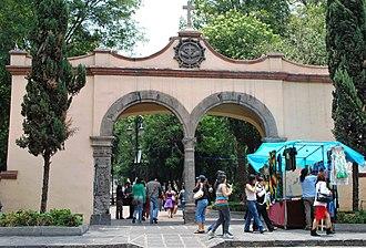 Coyoacán - Arcos del Jardín del Centenario