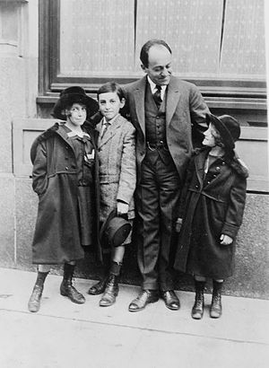 Ernest Bloch - Ernest Bloch with his children Suzanne, Ivan and Lucienne.