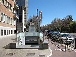 Estació de Facultats (València).jpg