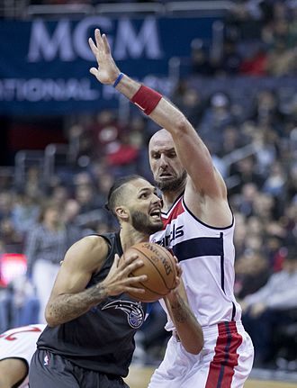 Evan Fournier - Fournier going up against Marcin Gortat in 2017