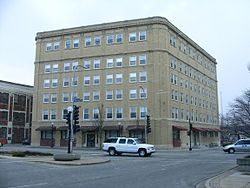 Exterior inman hotel champaign il us.jpg