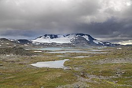 Fannaråki & Fannaråkbreen from the northeast, 2011 August.jpg