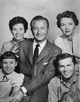 Father Knows Best - The Andersons-top from left: Elinor Donahue, Robert Young, Jane Wyatt.  Bottom: Lauren Chapin, Billy Gray.