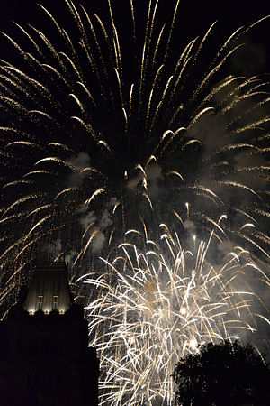 English: White fireworks go off over parliamen...