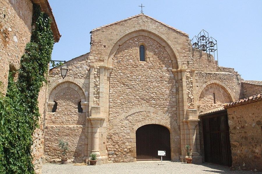 Cazedarnes (Hérault) - Abbaye Sainte-Marie - entrée.