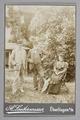 Fotografi. Porträtt av Walther, Hans och Hedwig von Hallwyl - Hallwylska museet - 87307.tif