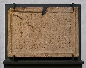 Nida (Roman town) - Image: Frankfurt Heddernheim Dendrophoreninschrif t