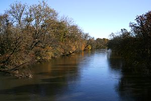 Geography of North Carolina - The French Broad River flows northwest out of North Carolina before eventually reaching the Mississippi River via the Tennessee and Ohio Rivers
