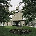 Frontopname van de kerktoren met portaaluitbouw - Amsterdam - 20420038 - RCE.jpg