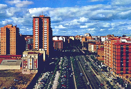 "The ""Paseo de Zorrilla"" (English: The Zorrilla's Mall) in the 1970s. Fundacion Joaquin Diaz - Paseo Zorrilla - Valladolid.jpg"
