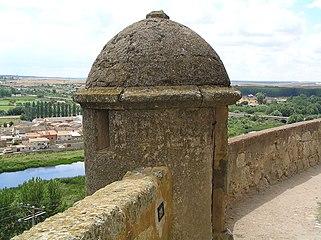 Garita en la muralla interior de Ciudad Rodrigo (tramo sur, junto al río Águeda).jpg