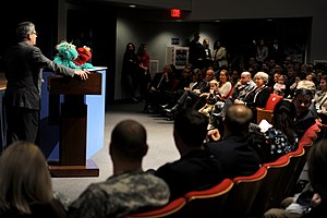 Rosita (Sesame Street) - Image: Gary Knell speaks with Elmo and Rosita, March 2009