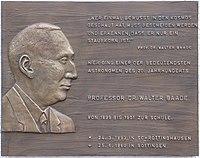 Gedenktafel Walter Baade (1893-1960).   jpg