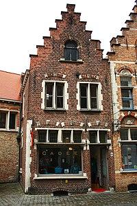 """Gevels, gebouwen """"In de Wolf"""", """"De Swaen"""", """"St. Jacob"""" - Sint-Jakobsstraat 56 - Brugge - 29677.JPG"""