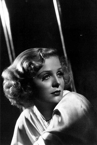 Gloria Stuart - Stuart in a publicity still ca. 1937.