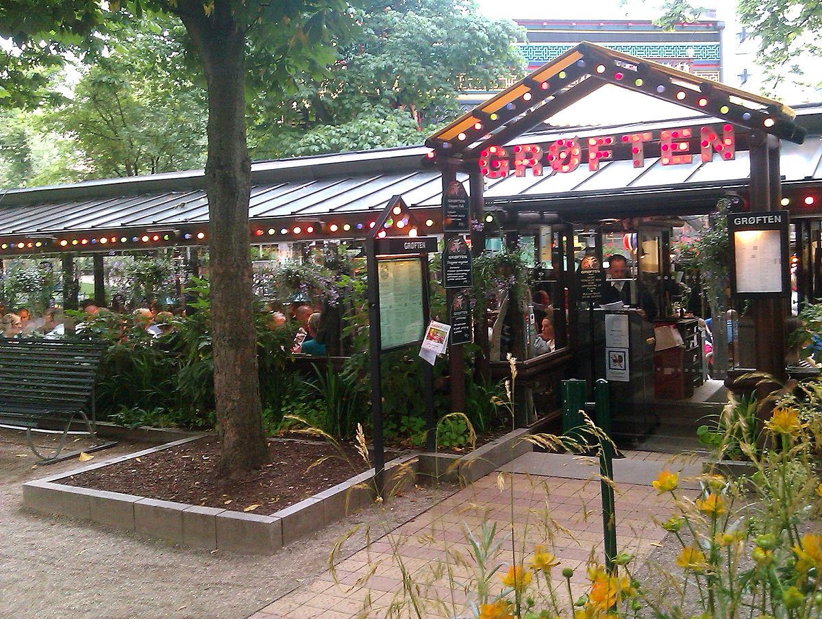 Restaurant Terrasse Bord De Loire