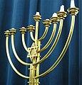 Grazer Synagoge - Kerzenleuchter.JPG