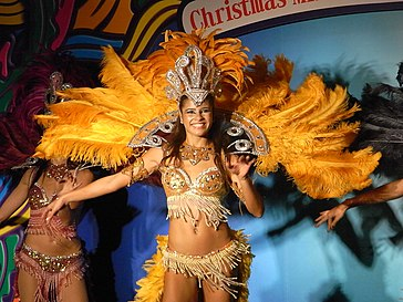 HK TST night 柏麗購物大道 Park Lane Shopper's Boulevard 巴西 Brasil 森巴舞娘 Samba female dancers Nov-2010 02.JPG