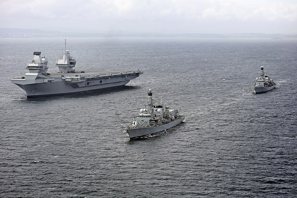 HMS Queen Elizabeth (R08) underway during trials with HMS Sutherland (F81) and HMS Iron Duke (F234) on 28 June 2017 (45162784)