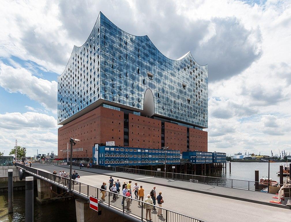 File Hamburg Hafencity Elbphilharmonie Und Mahatma