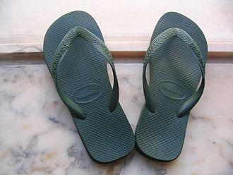 Havaianas - A pair of green Havaianas Top