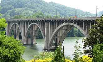 The Henley Bridge (Knox County, Tennessee) - The Henley Bridge, viewed from Hill Avenue
