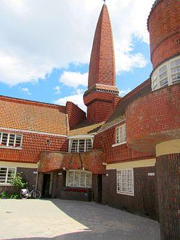 Amsterdamse school bouwstijl wikipedia for Carla de klerk interieur