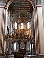 Hildesheim St Godehard Radleuchter Chor.jpg