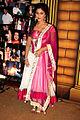 Hina Khan at 5th Boroplus Gold Awards 2012.jpg