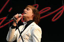 """Sänger """"Howlin"""" Pelle Almqvist beim Southside Festival (2004)"""