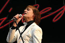 "Singer ""Howlin"" Pelle Almqvist at the Southside Festival (2004)"