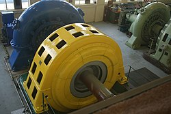 Horizontal turbine (BTH) at Lake Coleridge power station - panoramio.jpg