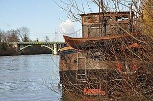Houseboat in Rueil-Malmaison 006.JPG