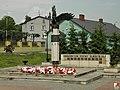 Iłża, Obrońcom Ziemi Iłżeckiej - fotopolska.eu (216435).jpg