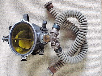 IDA71 - Image: IDA 71 mask, DSV and breathing hoses P5167748