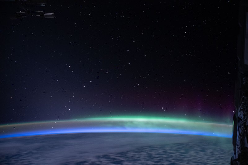 File:ISS-62 Earth's glow and Aurora australis with Starlink satellite constellation.jpg