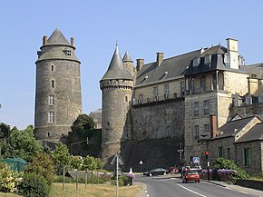 Image-Chateau de chateaugiron.JPG