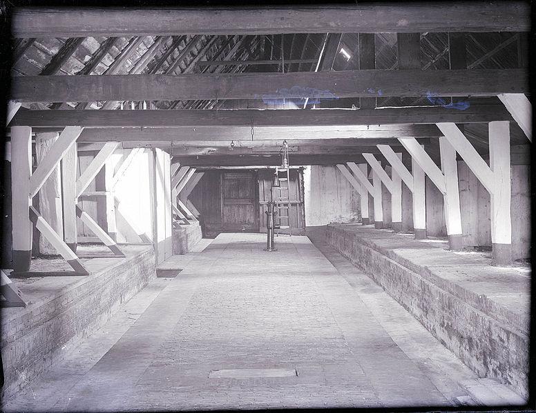 File interieur overzicht van de veestal van de for Interieur 306