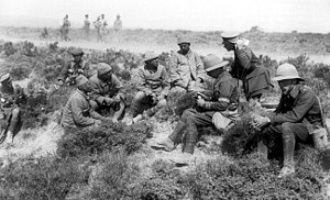 Interrogation of Turkish prisoners Cape Helles 1915.jpg