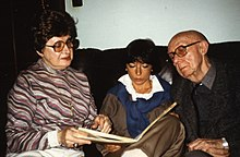 Irène Hamoir, left, and Louis Scutenaire, right, in 1985